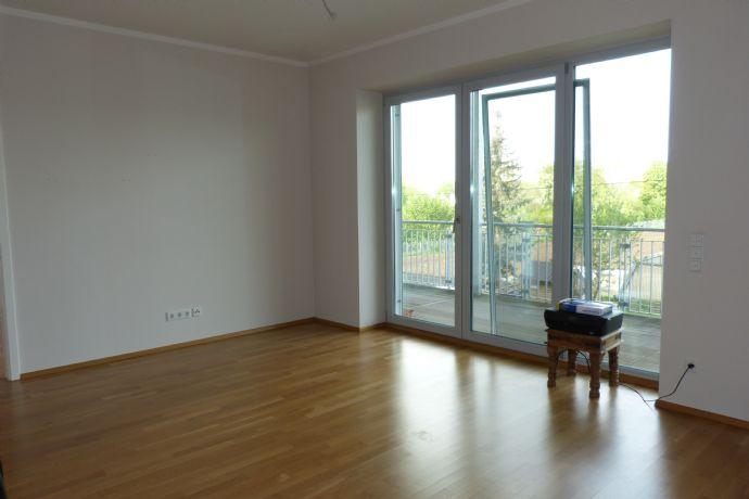 Schwabach: attraktive, moderne und helle 2-Zimmerwohnung mit großem Balkon in toller Lage
