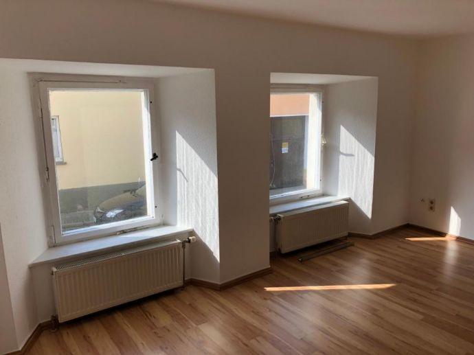 Kleine 2-Raum-Wohnung in Auma