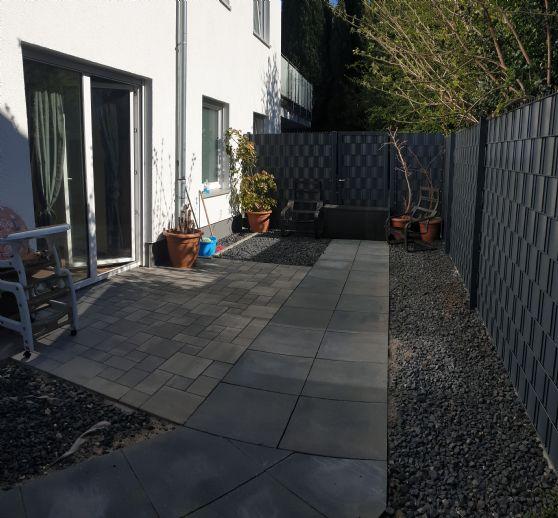 Exklusive 4-Zimmer-Wohnung mit Garten und zwei Terrassen in einem Neubau in ruhiger Lage