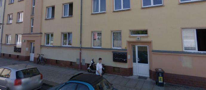 2-Zimmer-Wohnung (38 m² - nicht bezugsfertig, renovierungsbedürftig)