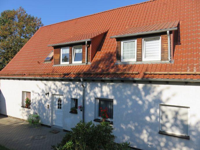Freistehendes Mehrfamilienhaus am sonnigen Ortsrand von Unterwellenborn, Ortsteil Goßwitz
