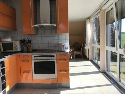 tolle 5-Zimmer-Wohnung als Etagenwohnung im Grünen zu vermieten