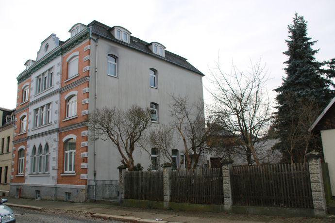Wohnen und Arbeiten in einem Haus - schönes Stadthaus mit 1 Praxis und 2 Wohneinheiten sowie Garage und Garten