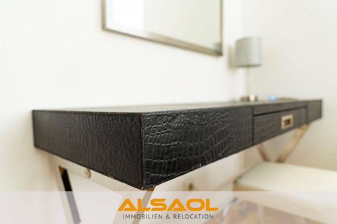 ALSAOL Immobilien: Hochwertig sanierte und möblierte 2-Zimmerwohnung mit Balkon in Bestlage Schwabing