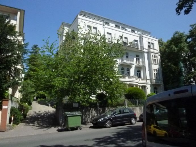 Charmante 2 ZKB-Stadtwohnung gegenüber Theater und Kurhaus - *PRIVATVERMIETUNG* - Fahrstuhl