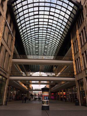 Moderne und exklusive 2-Zimmer-Wohnung über der Mall of Berlin
