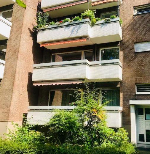 Attraktive Wohnung im 1. Obergeschoss mit Balkonen