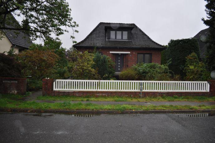 Charmanter Backsteinbau mit über 160 m² (187m²) Wohnfläche in Hamburg Wellingsbüttel