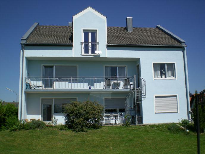 Zweifamilienhaus plus Büro in Stammham, ideal für Freiberufler