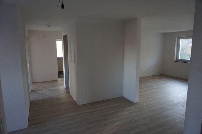 Attraktive, helle 4-Zimmer-Wohnung mit Terrasse, inkl. Einbauküche, Neubau/Erstbezug