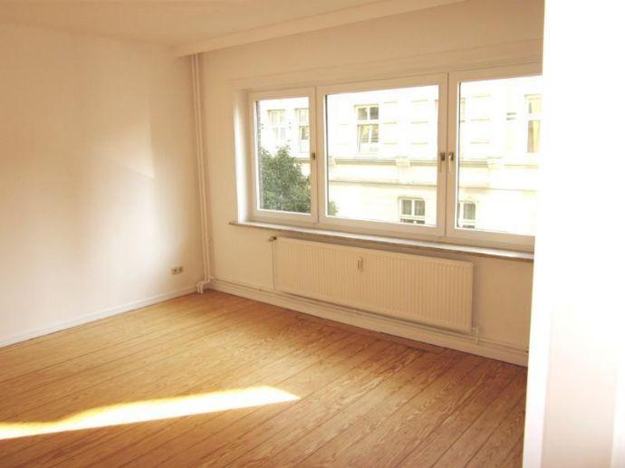 Attraktive 2-Zimmer-Altbauwohnung im Reiherstiegviertel