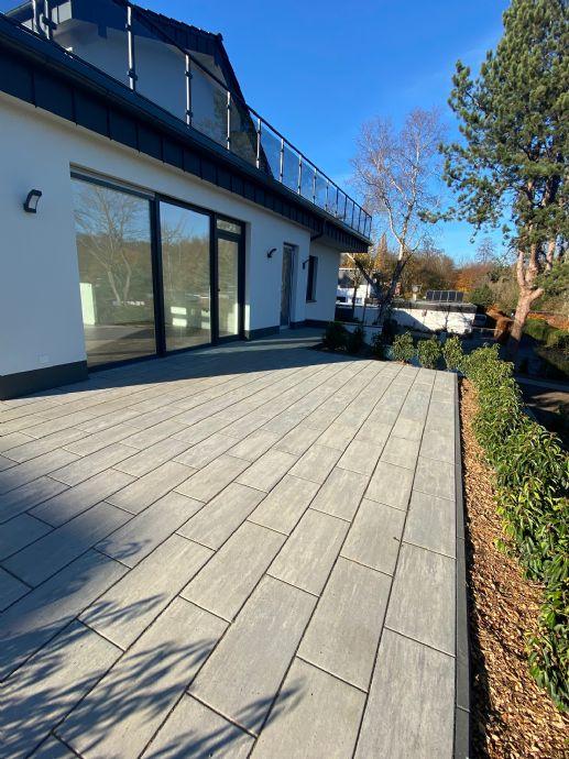 Neubau Erstbezug Wohnen in exklusivsten Lage von Königsdorf Haus in Haus mit 60 qm großen Terrasse