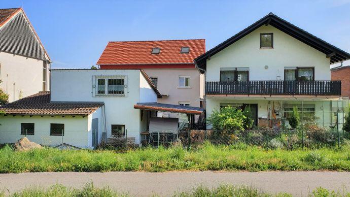 Mehrgenerationen und Beruf perfekt vereint. 2 Häuser mit Werkstatt, Galerie und großem Hofberereich
