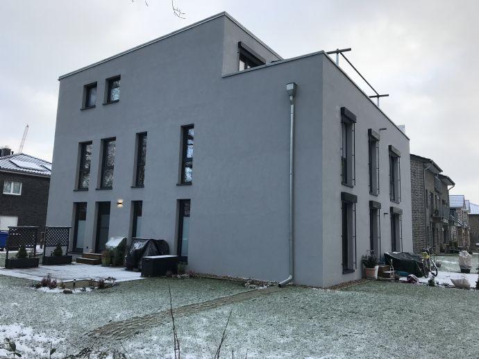 Moderne EG 3 Zi.-Neubauwohnungen im Passivhaus- Standard; mit Terrasse; Ohne Courtage!! Heizkosten 5,- € pro Monat!!