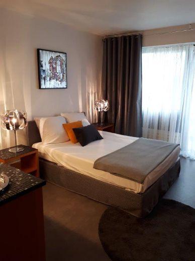 1 Zimmer Apartment komplett möbliert und renoviert in Saarbrücken