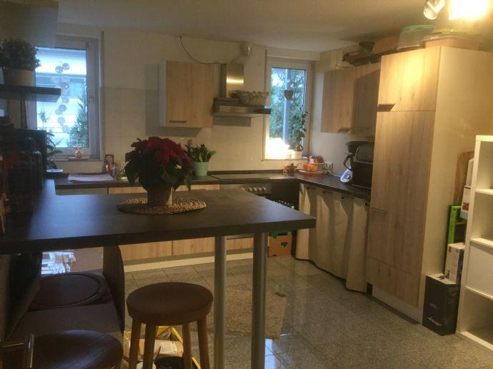 Moderne und ruhige 3-Zimmer-Wohnung, Feldrandlage in Niedervellmar