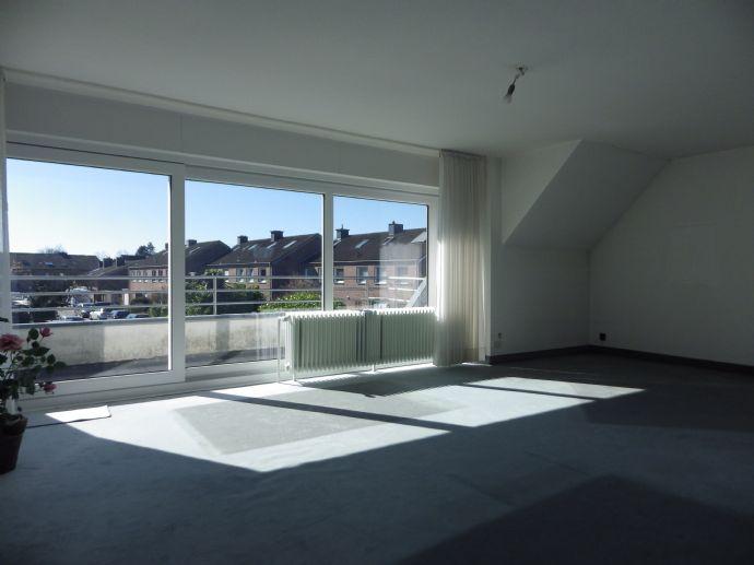 Lichtdurchflutete Maisonette-ETW im Zweif.haus mit 4 Zimmern, 2 Bädern, auf 117 m² + 100 m² Reserve - ein Juwel in absolut ruhiger Lage von Münster !!