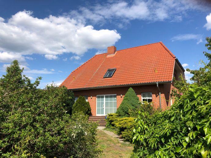 Attraktives 2 Generationshaus mit Einbauküche, Sauna, Garten und Garage in ruhiger Lage von Cottbus-Saspow