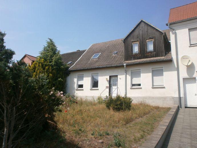 Wohnhaus in Stadtlage mit ruhigem Grundstück !