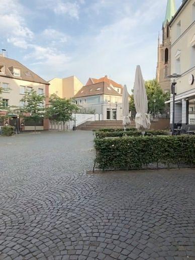 3 Familienhaus, ein Ladenlokal in der Fußgängerzone von Essen-Borbeck