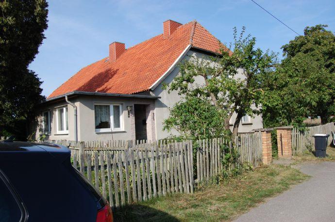 Sanierungsobjekt mit viel Grundstück in Dolgen bei Franzburg