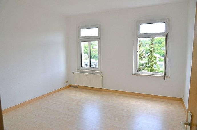 Sehr schöne und sanierte 2-Raum-Wohnung in Greiz in der Nähe vom Kaufland