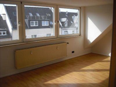 sch ne 2 zimmer wohnung im dachgeschoss in rotthausen wohnung gelsenkirchen 2e5ql46. Black Bedroom Furniture Sets. Home Design Ideas