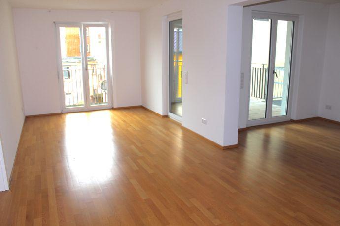 Mannheim City 2,5 Zimmerwohnung im Neubau mit Einbauküche und Balkon