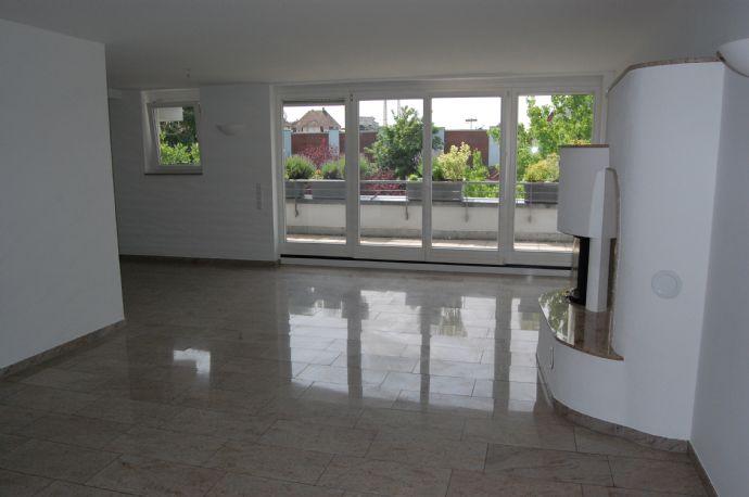 Zentrale Lage: Barrierefreie 3,5 Zimmerwohnung in Kornwestheim zu vermieten