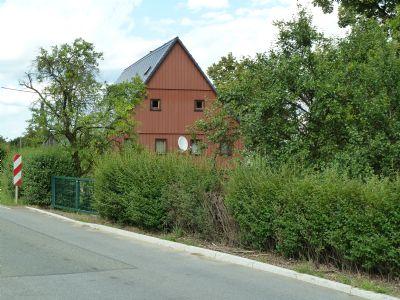 Grundstück an sonniger Hanglage am Ortsausgang