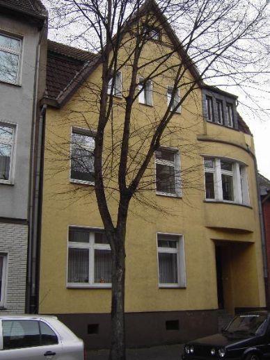 4-Raum-Wohnung im 3 - Familienhaus