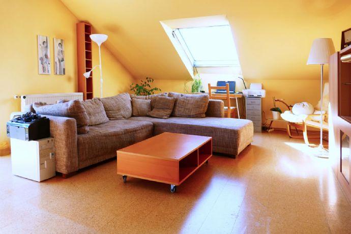 Sonnige Drei-Zimmer-Dachgeschosswohnung