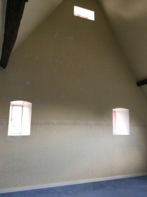 Ein Raum im Dachgeschoss