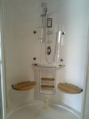Dusche bei Sauna