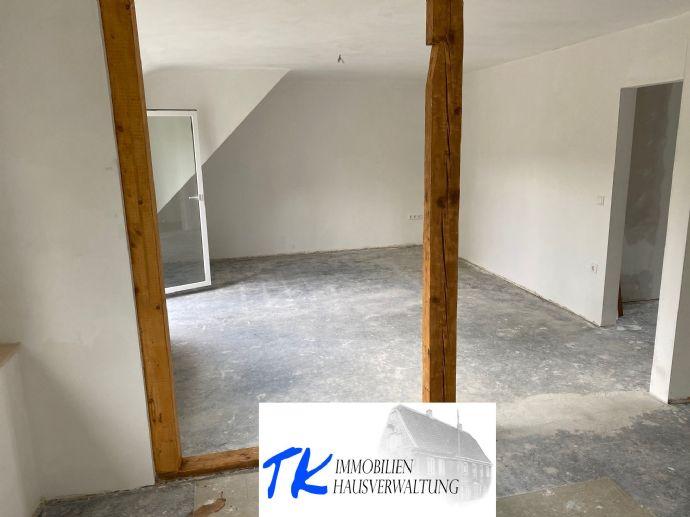 Helle Wohnung im modernisierten 6 Familienhaus in Reinshagen
