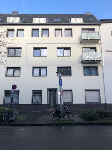 Erstbezug nach Modernisierung ! Repräsentative 2 Zi.- Wohnung mit großer Balkonterrasse, Nähe Mol