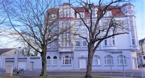 Renovierte 3 Zimmer Wohnung mit EBK im Zentrum von Nordenham