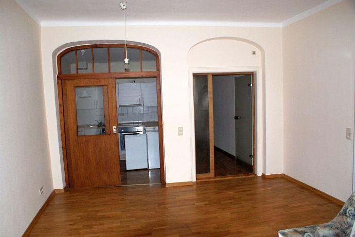 2-Raum-Wohnung mit Parkett und Einbauküche in der Innenstadt Zittau