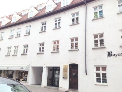 augsburg innenstadt domviertel tolle 2 zimmer galeriewohnung in toplage zu verkaufen. Black Bedroom Furniture Sets. Home Design Ideas