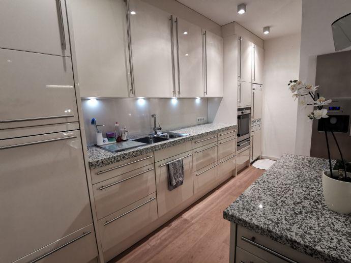 Möblierte, hochwertige 2-Raum-Wohnung in Koblenz, Stadtteil südliche Vorstadt zu vermieten