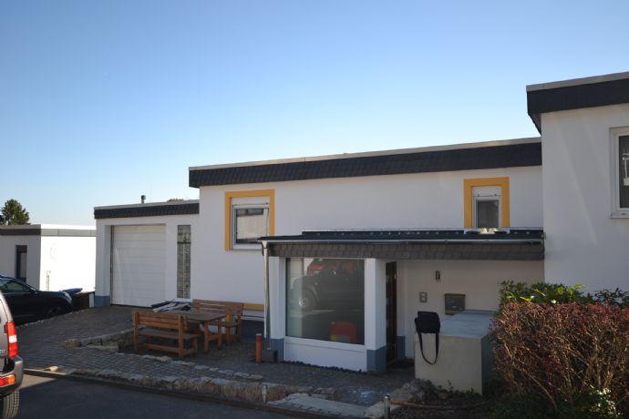 ***PROVISIONSFREI***SCHLOSSPARK- Attraktiv - Modern - Innovativ - Doppelhaushälfte für die kleine Familie in Blicklage