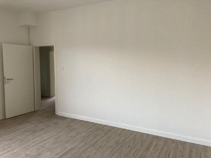 WG geeignete, vollständig renovierte 2-Zimmer Wohnung in Zentrumsnähe frei ab 01.10.2020