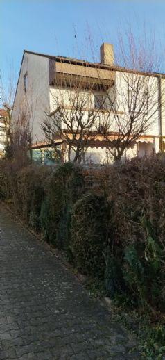Schönes Reiheneckhaus in ruhiger Wohnstraße Grötzingens