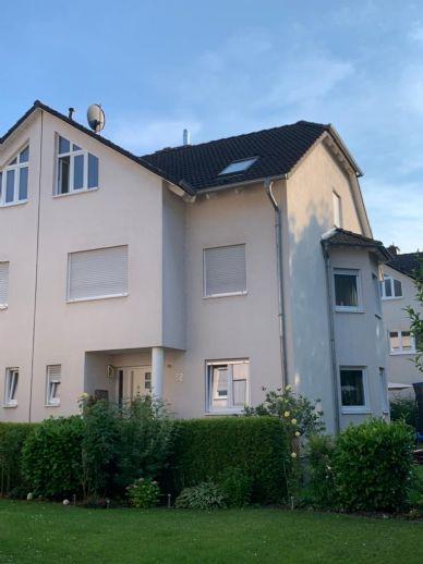 Obertshausen/Hausen, schicke DHH,182m2 Wfl,+58m2 Keller, Terrasse,Garten, Garage,Stellplatz
