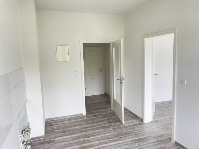 Sofort bezugsfertig: Sanierte 2-Zimmer-Wohnung mit Balkon