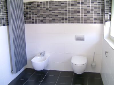 Bild 12  WC und Bidet im Badezimmer
