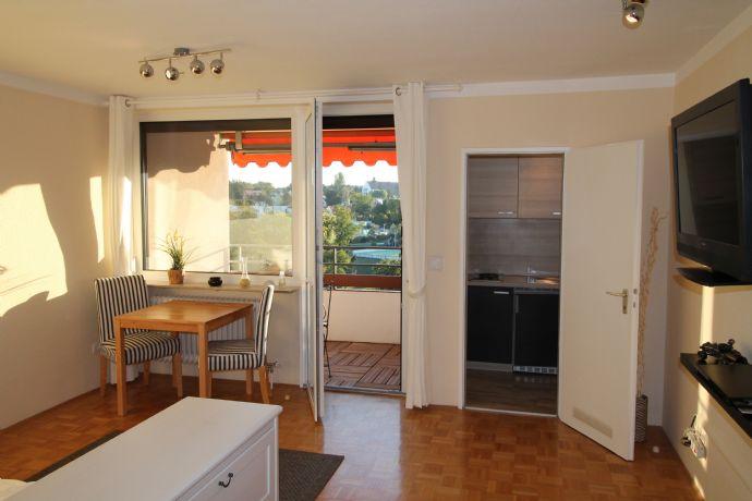 Möbliertes Wohnen ruhige Lage mit Balkon + Aufzug + Hausmeister + Waschmaschine in Zirndorf