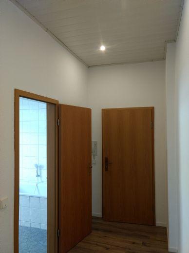 Klein-Fein-Mein , Freundliche, 1-Raum Wohnung mit Küche/Bad mit Fenster, Stellplatz zu vermieten