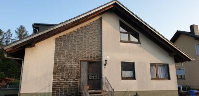 4 Zimmer Wohnung, Terrasse und WC mit Fenster