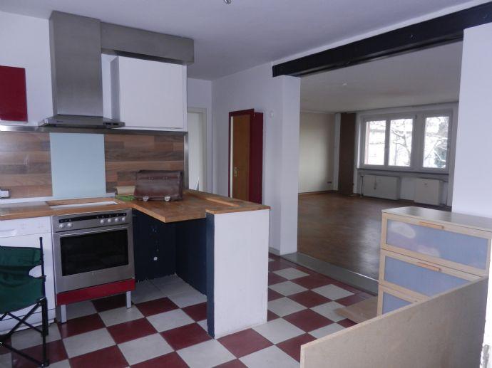 Wohnung im ersten Obergeschoss mit großzügigem und hellen Wohnbereich